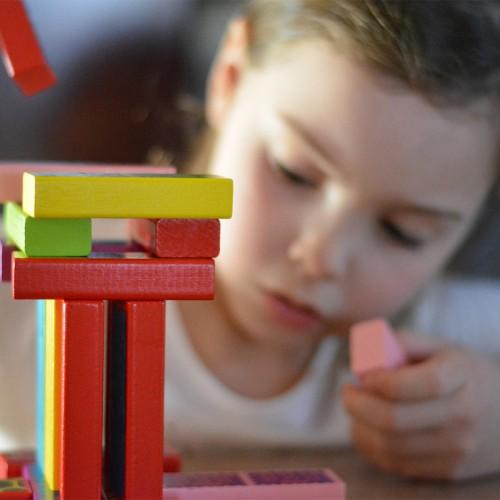 ของเล่นเสริมพัฒนาการสำหรับเด็ก อายุ 1-2 ปี มีอะไรบ้าง