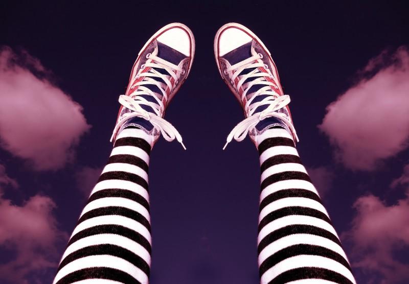 11 รองเท้าผ้าใบผู้หญิง สุดยอดแบรนด์ดี มีคุณภาพ สาว ๆ ต้องมี