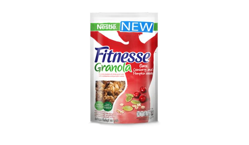 Nestlé Fitnesse Granola รสข้าวโอ๊ตเต็มเมล็ดอบกรอบ แครนเบอร์รี่ เมล็ดฟักทอง