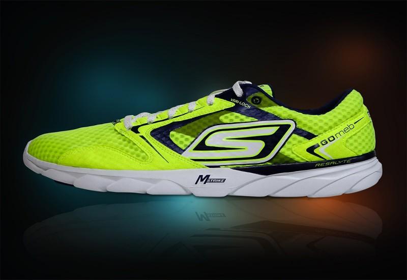 10 รองเท้า SKECHERS ใส่สวย สบาย รุ่นไหนดี 2021