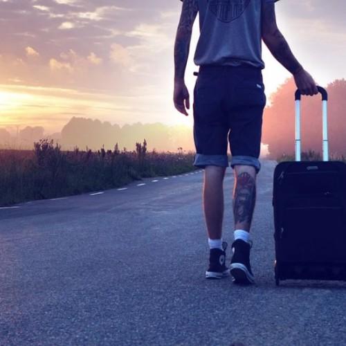 12 กระเป๋าเดินทางขนาดเล็ก ยี่ห้อไหนดี ทนทาน คุ้มค่า ราคาไม่แพง