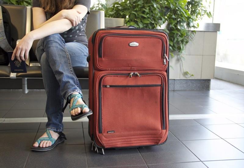 9 กระเป๋าเดินทางขนาดใหญ่ ยี่ห้อไหนดี ทนทาน คุ้มค่า ราคาไม่แพง