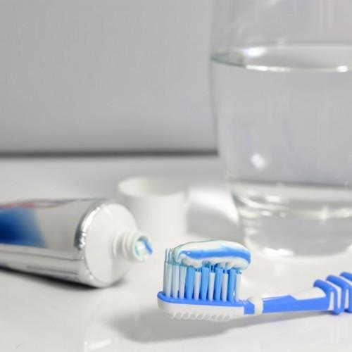 10 ยาสีฟันขจัดหินปูน ยี่ห้อไหนดี ฟันสะอาด ปากหอม ลมหายใจสดชื่น 2021