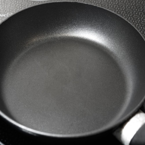 10 กระทะเทฟล่อน ยี่ห้อไหนดี ทำอาหารได้ง่าย ไม่ติดกระทะ 2021
