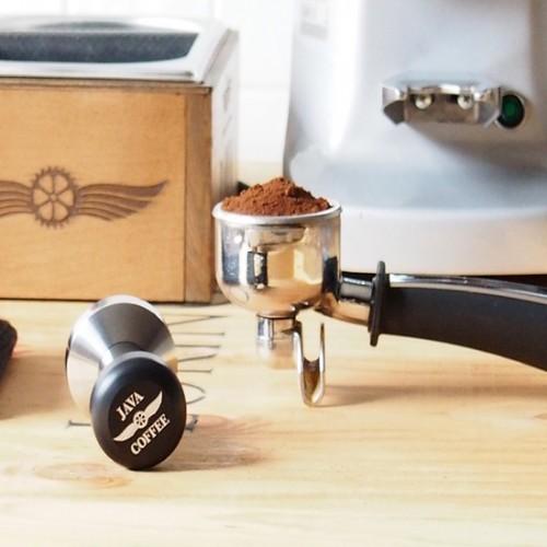 6 เครื่องบดกาแฟมือหมุน ยี่ห้อไหนดี ใช้งานง่าย บดละเอียด ถูกใจสายกาแฟสุดๆ