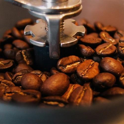 9 ที่บดกาแฟ ยี่ห้อไหนดี สำหรับผู้ที่ชื่นชอบและรักการดื่มกาแฟ 2021